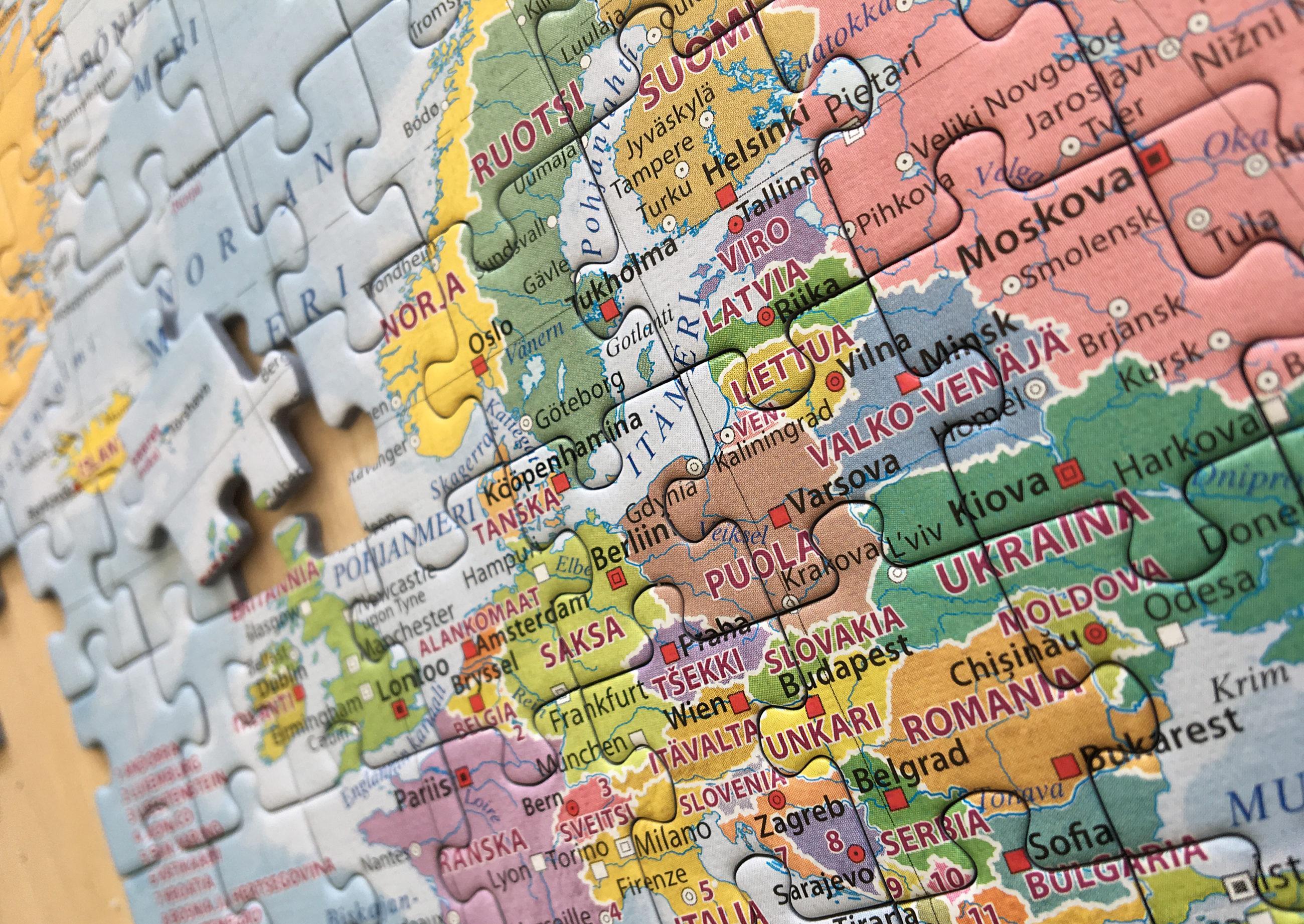 Palapeli, jossa kuva-aiheena Euroopan kartta.