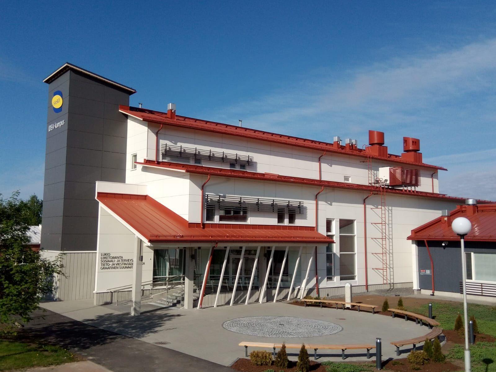 Saskyn IDEA-kampus Ikaalisissa, lukion ja kauppaoppilaitoksen rakennus.
